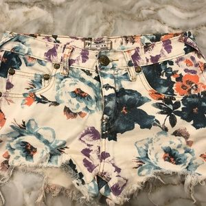 Floral Free People shorts. Size 26